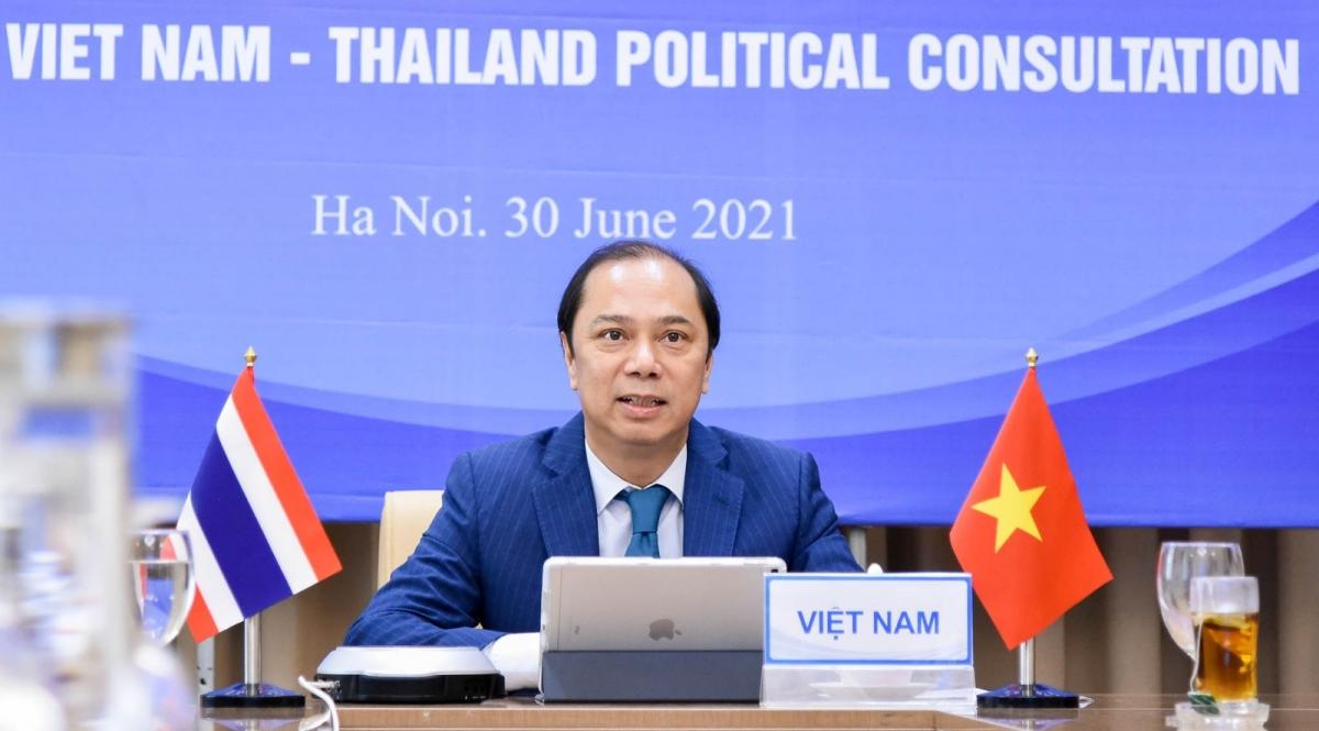 Thứ trưởng Ngoại giao Nguyễn Quốc Dũng